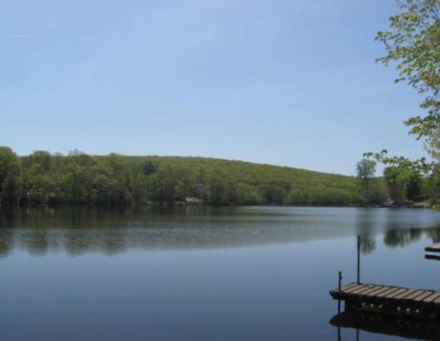 Cozy Mid-Century Lakefront Home - West Milford - Rumah