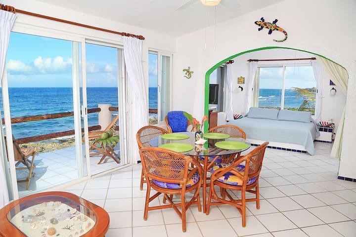Top Floor Panoramic Caribbean Views & Pool!