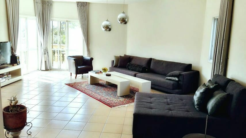 Olive Orchard - Netanya - Apartment