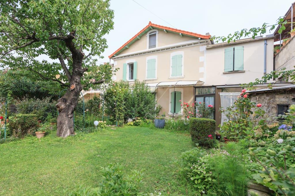 Maison de ville avignon maisons louer avignon for Avignon location maison