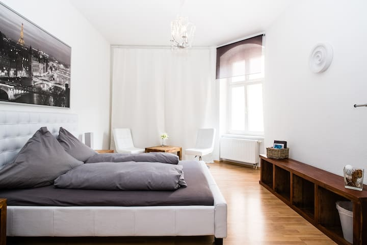 Lounge Room –  Alex in 5 Min - Berlin - Apartment