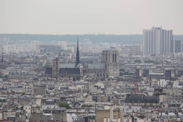 Appartement central  vue sur Paris
