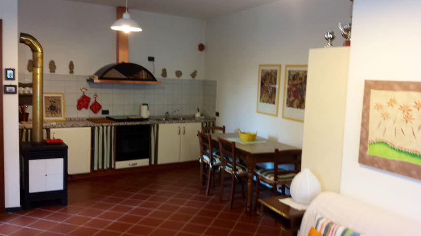 Studio apartment with garden - Savona - Dům