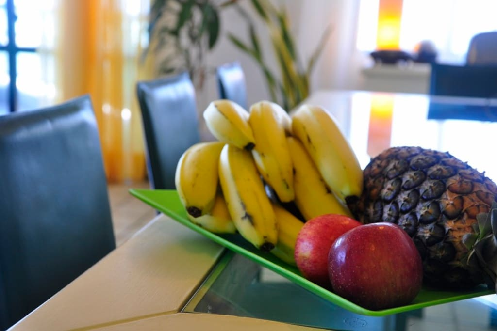 24 hours free basket fruits.