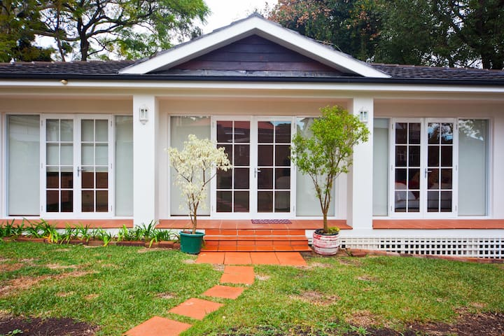 Self Contained Cabana - Strathfield - Muu