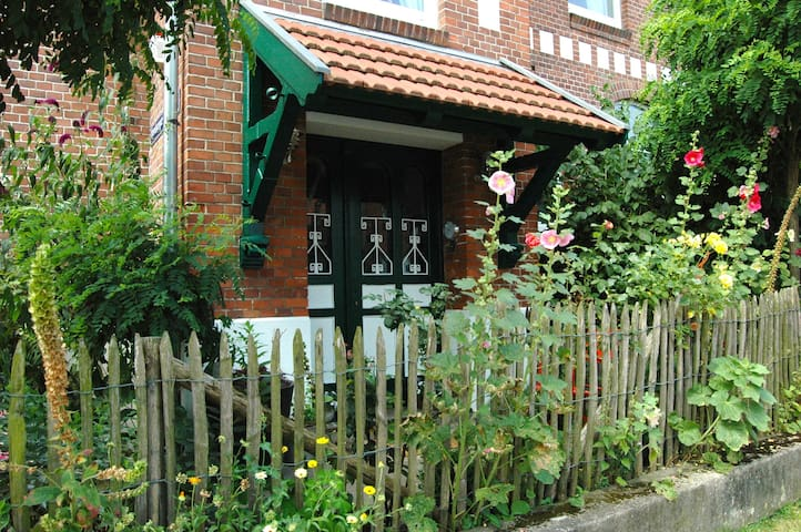 Erholung in Altbauvilla an der Elbe - Boizenburg/Elbe - Villa