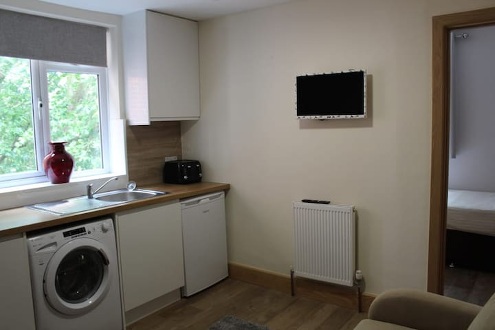 Modern 1 Bedroom Apartment - City Centre
