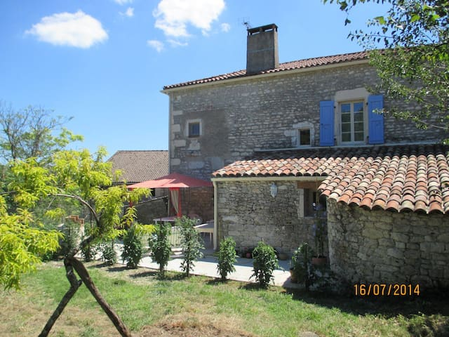 Gîte plein cœur vignoble de Cahors - saint matre - บ้าน