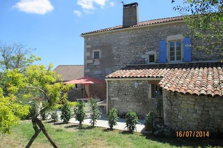 Gîte plein cœur vignoble de Cahors - saint matre