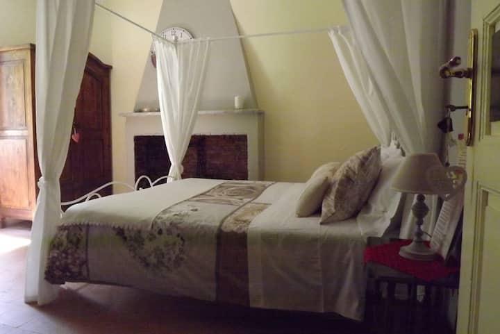 Romantica camera tra mare e monti, cena e massaggi