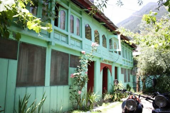 Himachal Kulu Homestay Accomodation - Banjar - Byt
