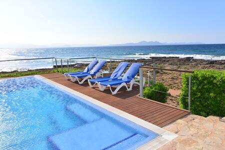 Casa junto al mar en Colonia de Sant Pere - Urbanització s'Estanyol - Hus