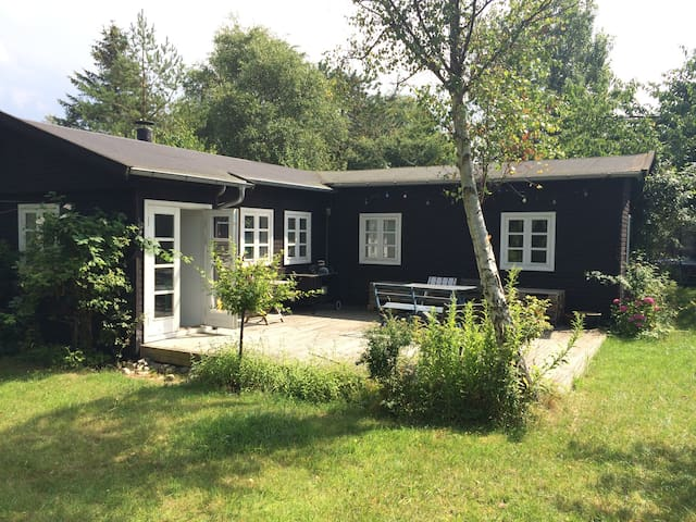 Charming summerhouse - 100m to sea - Vejby - House