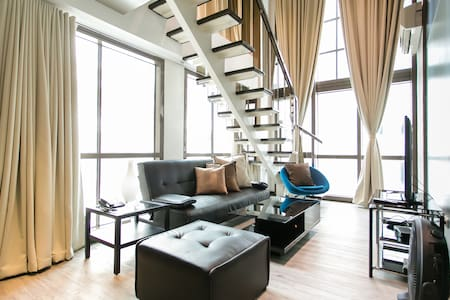 Designer One Bedroom @Joya Rockwell - Makati City  - Apartment