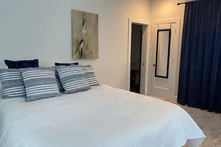 Blue Studio on the river, close to Casino & winery
