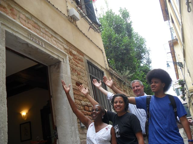 De Blasio family  -Lovely guests in Santa Margherita Guesthouse