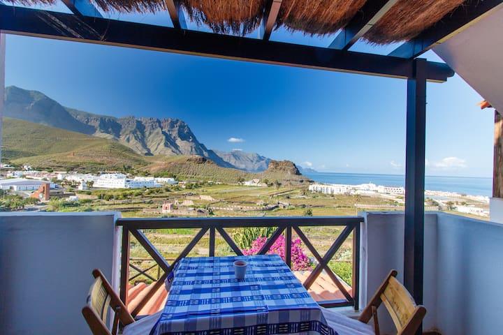 Mar y montaña en el mágico Agaete - Agaete - Apartment