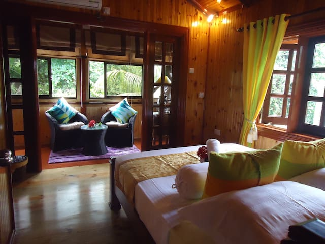 Granite Self Catering,Holiday House - La Digue - Rumah