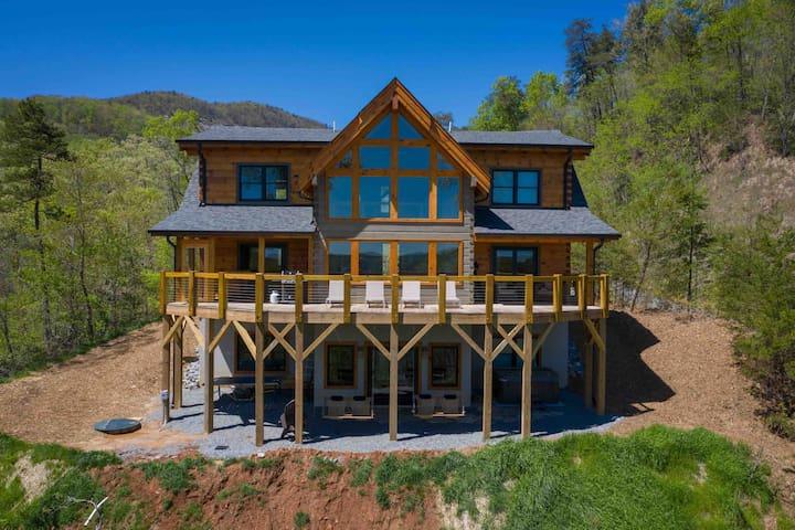 Entire New Custom Log Cabin-Hot Tub-Billiards-View