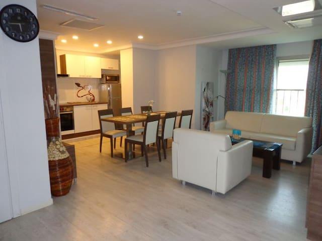 Deluxe Suite 1 - Bénin Royal Hôtel