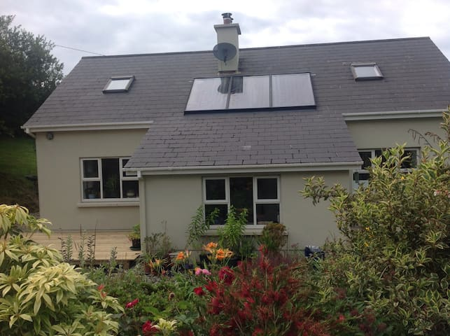 Three Rooms in Beautiful Ballydehob - Cork - Ev