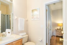 The Queen suite´s bathroom, First floor - La reina suite's baño, primera planta