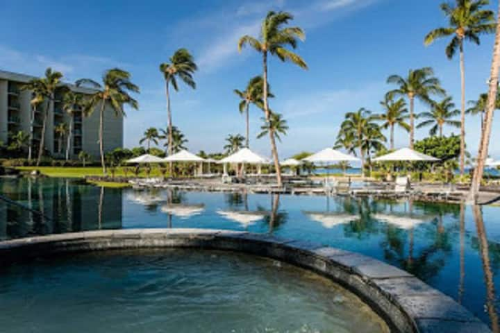 Steps Waikoloa Beach! MARRIOTT Villa condo sleep 4