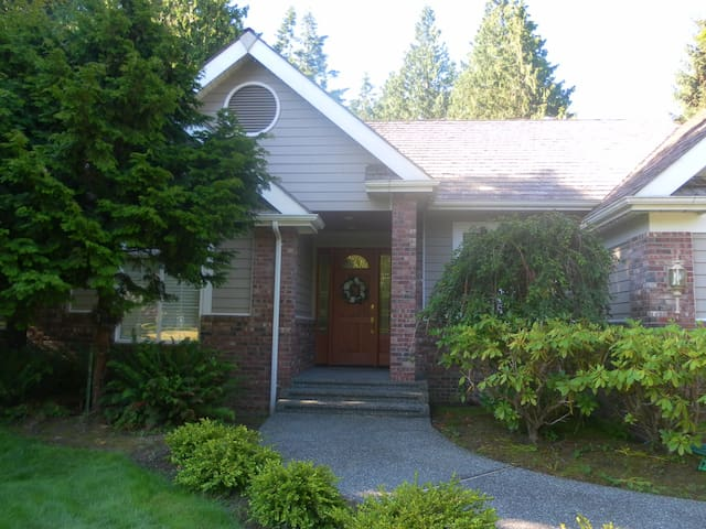 ~Fidalgo Island ~ In Town Retreat~ - Anacortes - Hus