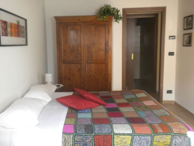 COMFORTABLE ROOM  10 KM FROM TURIN - Druento - B&B