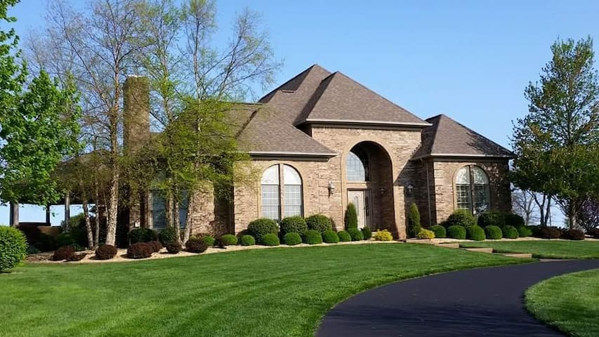 Private, gated house with pool-book for BARBASOL!