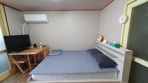 아파트의 편안함을 느껴보세요. 가성비로 판단하세요. 편안하게 잠만 주무실 분 추천드립니다.
