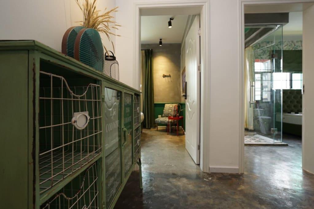 二层绿色主题小单间,此房型有多间,无特殊要求随机安排