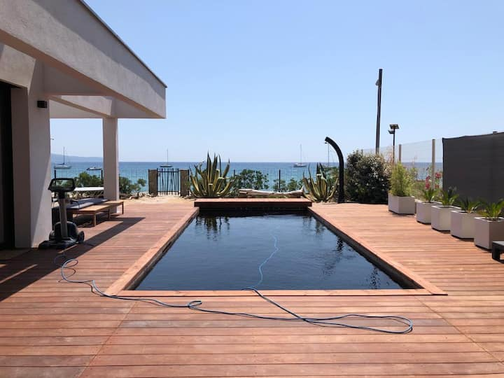 villa sur LA PLAGE CAVALAIRE 6 chambres, piscine
