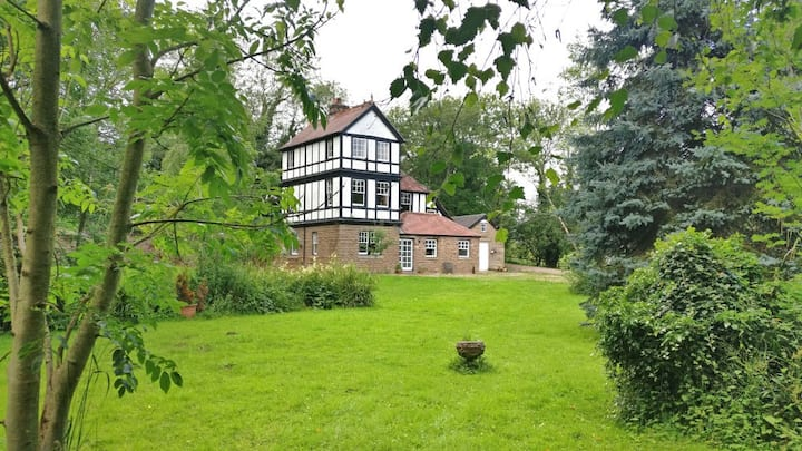 Herefordshire Home with Views, walks, good parking