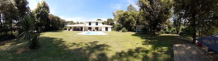 Contemporary villa Roquefort-les-pins