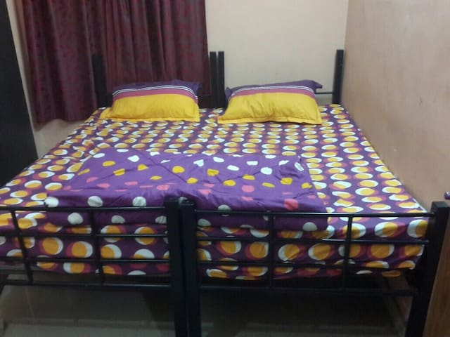 """Cozy 1 Room Flat in Tagore park near EM-Bypass"""