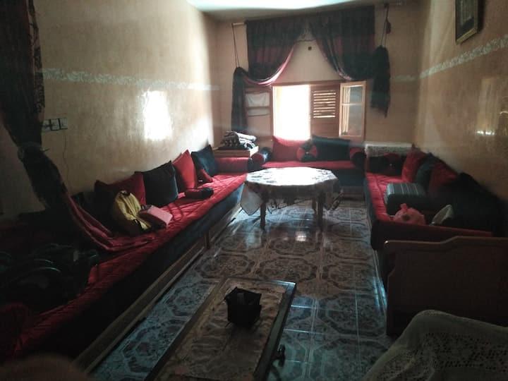 Maison duplex grande et  bien équipée a AZROU