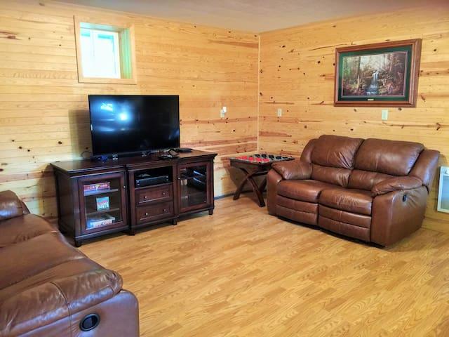 Hillside Cabin #1 Annapolis, MO Black River