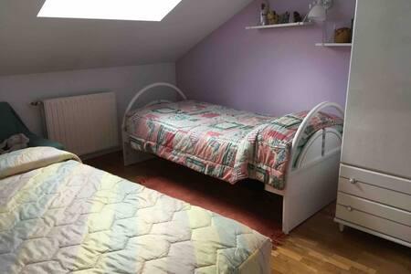 Habitacion privada en Burgos con baño individual