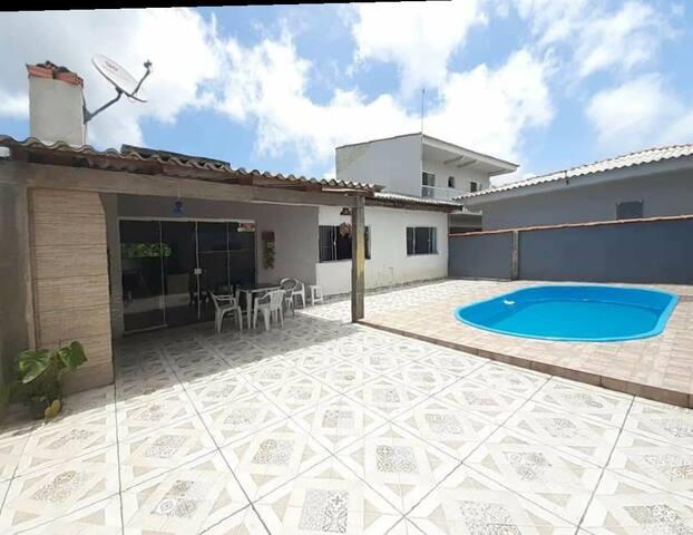Casa com piscina shangrilá