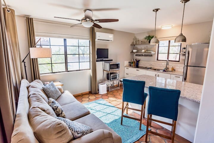 Newly Remodeled Private Casita at Desert Oasis