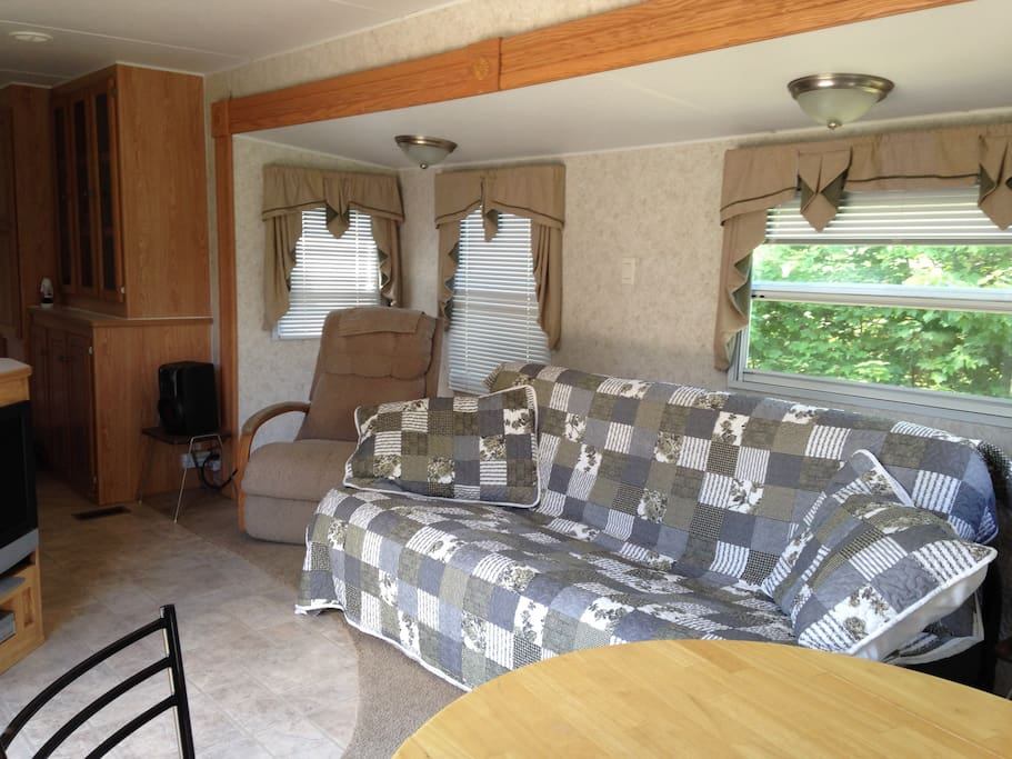 36-ft Park Model Trailer at Warbler's Roost / Living area