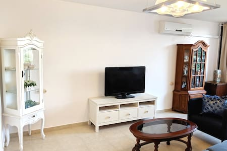 2 Bedroom apt in Jaffa, 10 min. walk from the sea