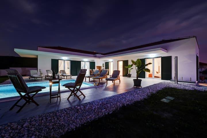 Villa Anica, Croatia Luxury Rent