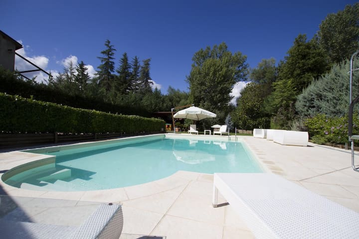 Villa snow, pool & spa - Sulmona - 別荘