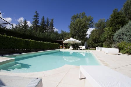 Villa snow, pool & spa - Sulmona