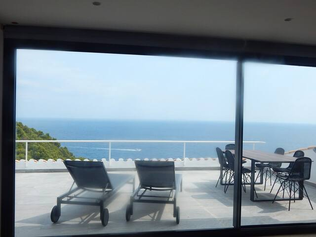 Apartamento moderno con espectacular vist al mar