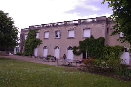 villa avec piscine et vue sur seine - Bois le roi - Hus