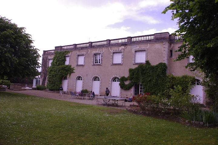 villa avec piscine et vue sur seine