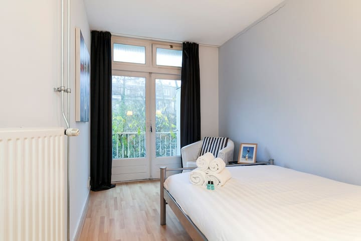 Spacious private room in relaxed neighborhood - Amsterdam - Daire